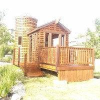 Pete Nelson- Treehouse Master designed casita stained by Great Dane Fence Staining ReadySeal Pecan (3)